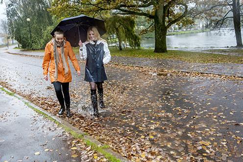 emelie_asplund-a_walk_in_the_rain-4324