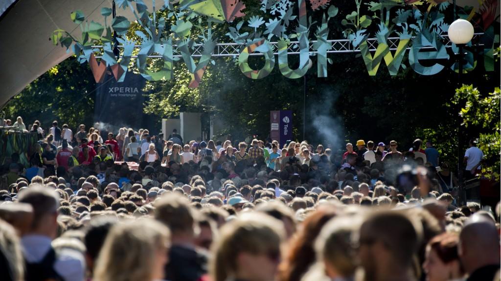 GÖTEBORG 2012-08-09 Långa köer då Way Out West öppnade på torsdagen för en tre dagar låg musikfestival i Slottskogen i Göteborg  FOTO Adam Ihse / SCANPIX / Kod 9200