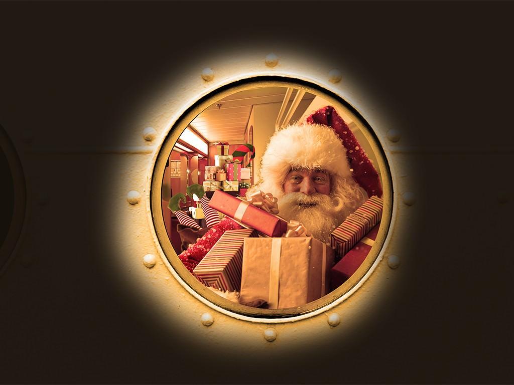 No_1_Monday_SantaLine_FB_santa in window